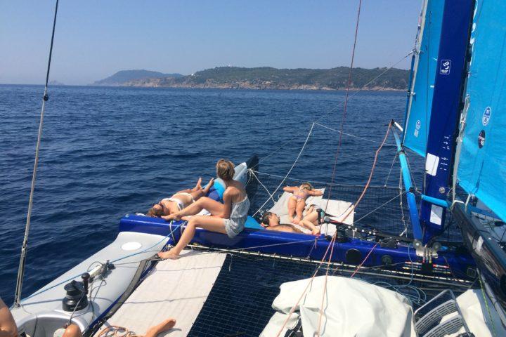 navigation en catamaran Cavalaire la Rayol Canadel Pramousquier Le Lavandou La Croix Valmer