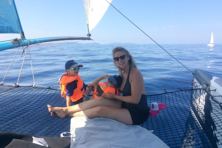 sortie en catamarn Cavalaire famille entre amis idee cadeau voilier