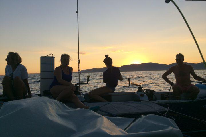 coucher de soleil sunset en catamaran Cavalaire