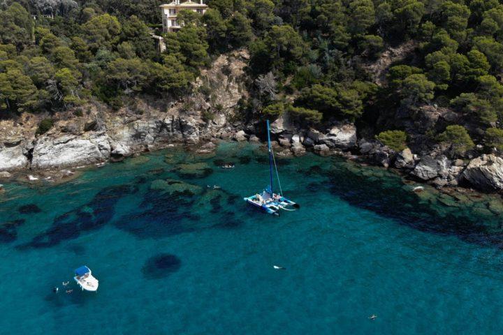 baignade à Port-Cros en catamaran